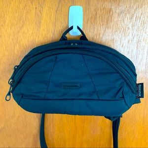 Pac Safe Fanny Pack One Size Black